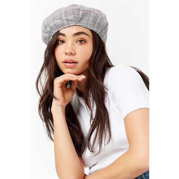 d2456518a27c5 Forever 21 Accessories - Forever 21 beret hat ✨